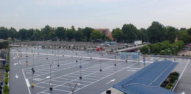 Pavimentazione in resina per parcheggi esterni