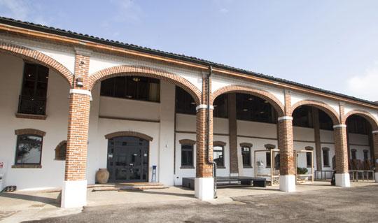 servizi di rivestimento in ceramica in ambito residenziale e industriale