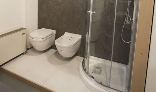 progettazione rivestimenti in ceramica per bagno