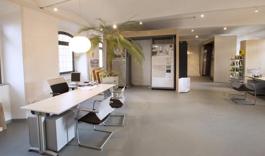 Superfici e rivestimenti in ceramica per uffici