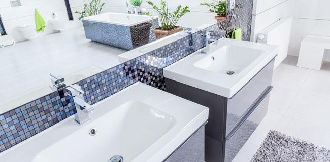rivestimenti in ceramica effetto mosaico per bagno
