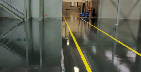 pavimenti in resina realizzati con resina marchio Mapei