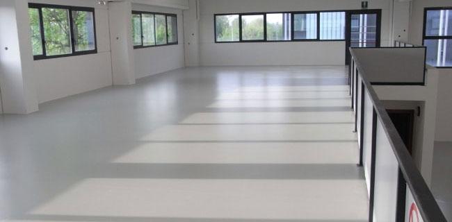 pavimento in resina poliuretanica per ambienti domestici o lavorativi